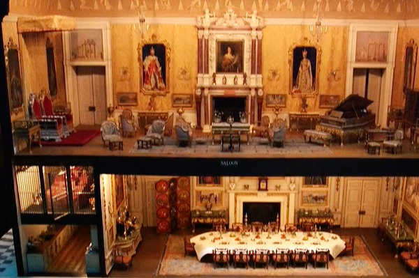 VIDEO: A tour of Queen Mary's Doll's House