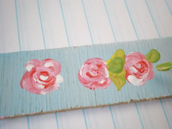 How to paint shabby chic roses